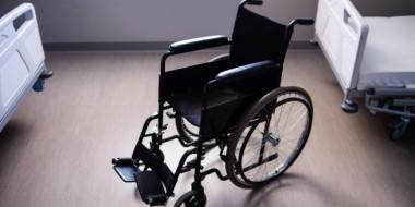 Ausili sanitari per anziani: quali sono i più importanti