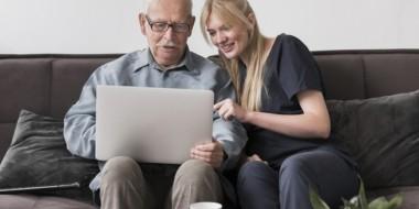 Corsi di informatica per anziani: perché possono essere utili…
