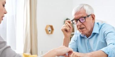 Impegnare gli anziani con attività creative, manipolatorie e fisiche: tante idee utili