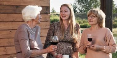 Come favorire un dialogo con l'anziano attraverso la comunicazione efficace