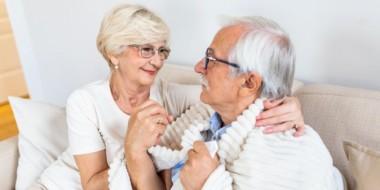 Perché gli anziani sentono sempre freddo?